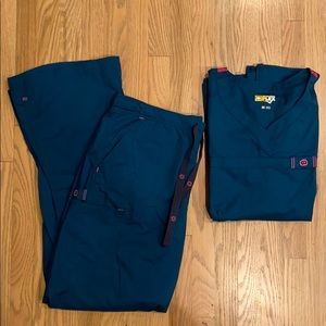 Wonder Flex Teal Scrub top and bottom
